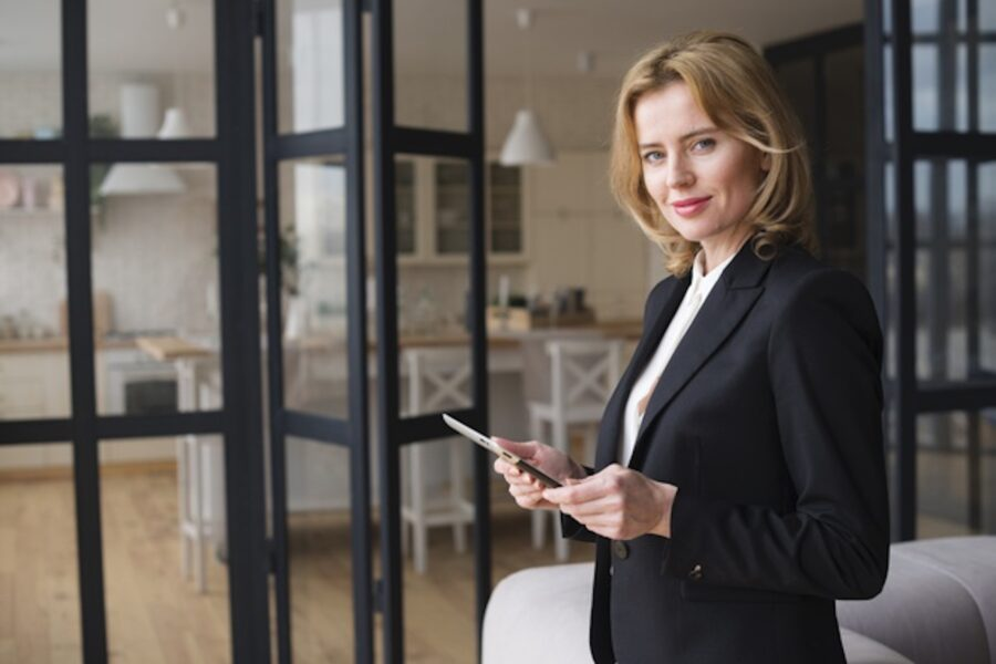The Media Bulletin Celebrates Business Women's Day With Kristina Podnar