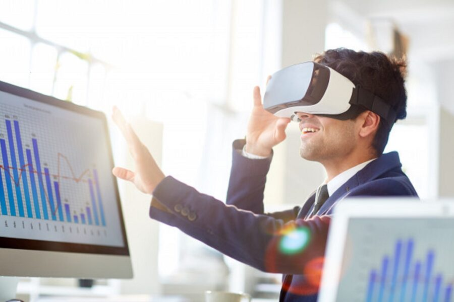 How are Augmented and Virtual Reality Aiding Businesses in Adopting WFH Culture?