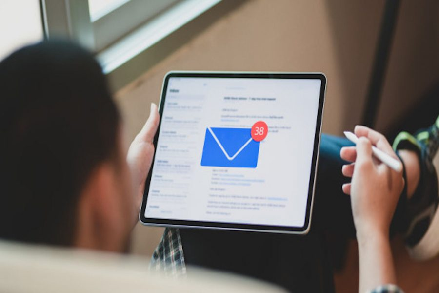 What is an Email Signature & Why It's Important for Sales and Marketing in 2021?